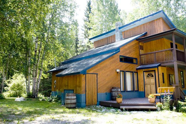 Front entrance - Golden Rockies Lodge, Your summer holiday home! - Golden - rentals