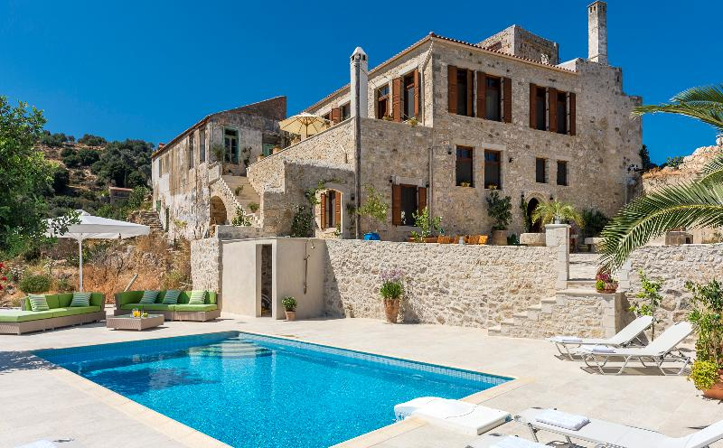 Luxurious Venitian Villa with sea vieuw and swimming pool - Image 1 - Rethymnon - rentals