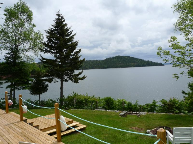 Come visit the Maritimes and enjoy our cottage overlooking the Passamaquoddy Bay - OCEANFRONT COTTAGE - VIEW OF THE PASSAMAQUODDY BAY - Saint Andrews - rentals