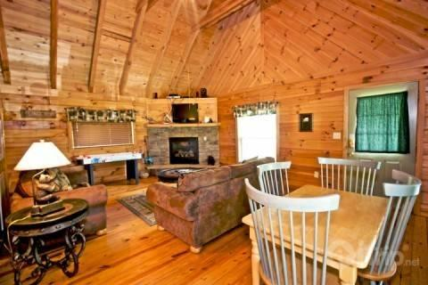 LIving Room / Dining Area - Townsend Cabin #1 Black Bear - Townsend - rentals