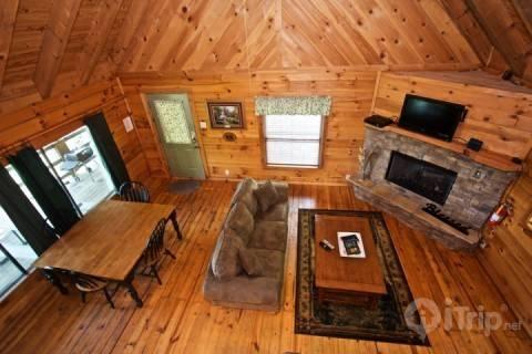 Overlooking Living Area - Townsend Cabin #3, Mountain Gem - Townsend - rentals