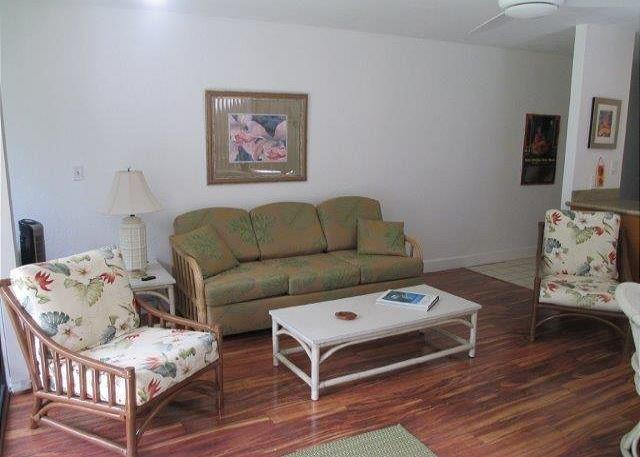 Living Room - Tewe Tewe**Available for 30 night  rentals, please call. - Kahuku - rentals