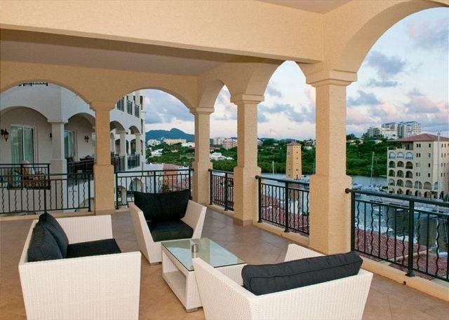 Luxury, hip 2 bedroom, 2.5 bath residence in Porto Cupecoy! - Image 1 - Saint Martin-Sint Maarten - rentals
