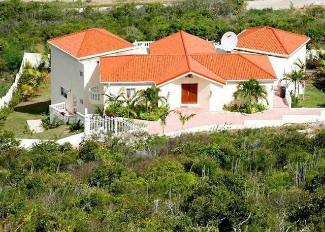 3 Bedrooms/ 3.5 Bath private villa in St. Maarten/ Red Pond Estates - Image 1 - Saint Martin-Sint Maarten - rentals
