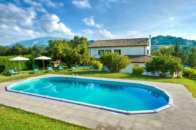 Candigliano - Large farmhouse with 17 sleeps - Image 1 - Urbania - rentals