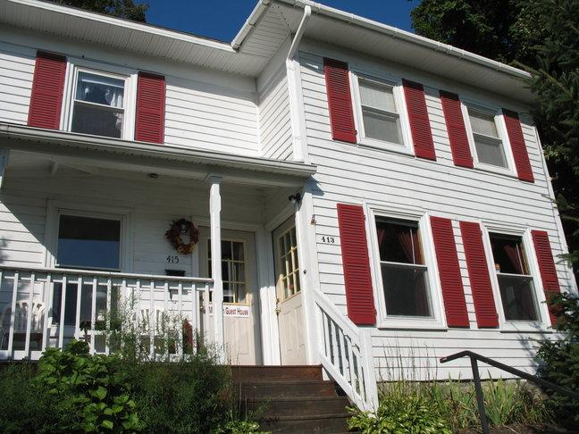 MADISON GUEST HOUSE - MADISON GUEST HOUSE: A GREAT SPACE IN DOWNTOWN WG - Watkins Glen - rentals