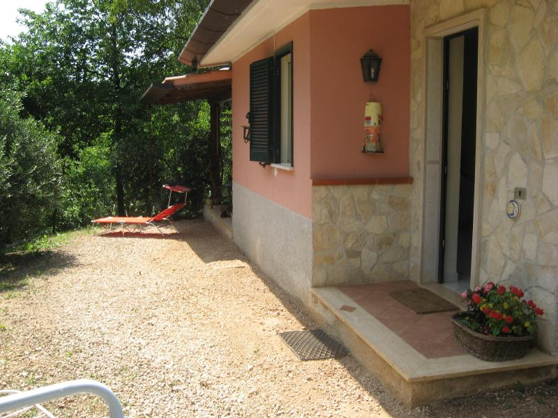 The house - Beautiful vila surrounded by mountains near to sea - Sonnino - rentals
