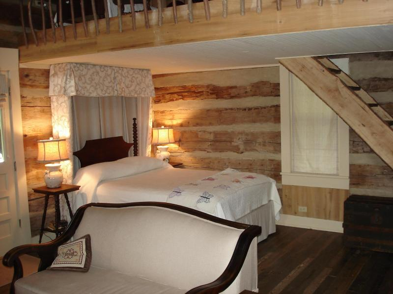 Inside cabin - A log cabin in the Pines - Bells - rentals
