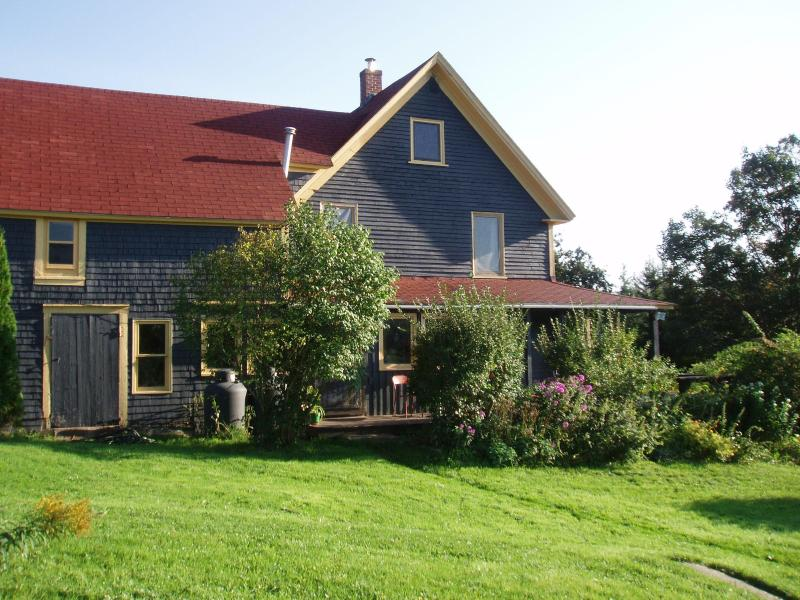 House Entrance - Rural farmhouse rental near the Cabot Trail, Cape - Middle River - rentals