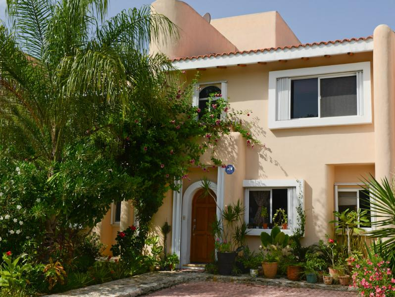 Bed & Breakfast Mom's house for those who like to - Image 1 - Puerto Aventuras - rentals
