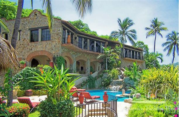 ACA - SCA05 -Worldly Ambiance, impressive castle style design, unique pool and tropical vegetation - Image 1 - Acapulco - rentals