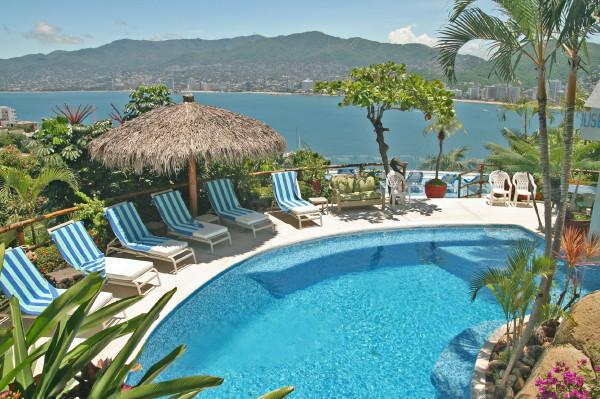 ACA - TPAL07 - Tropical ambiance, beautiful Bay views, easy access to night clubs and restaurants - Image 1 - Acapulco - rentals