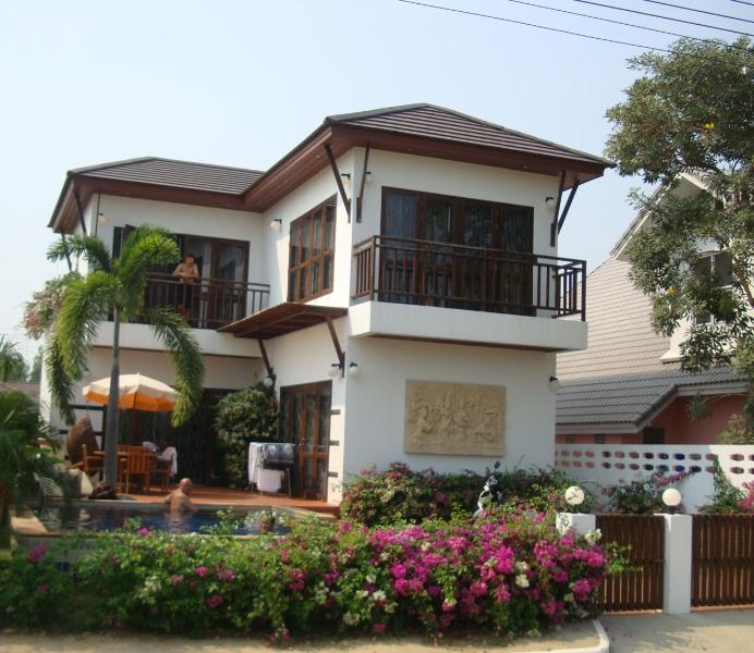 Villa with 3 bedrooms and pool - 300 m. to beach - Image 1 - Rayong - rentals