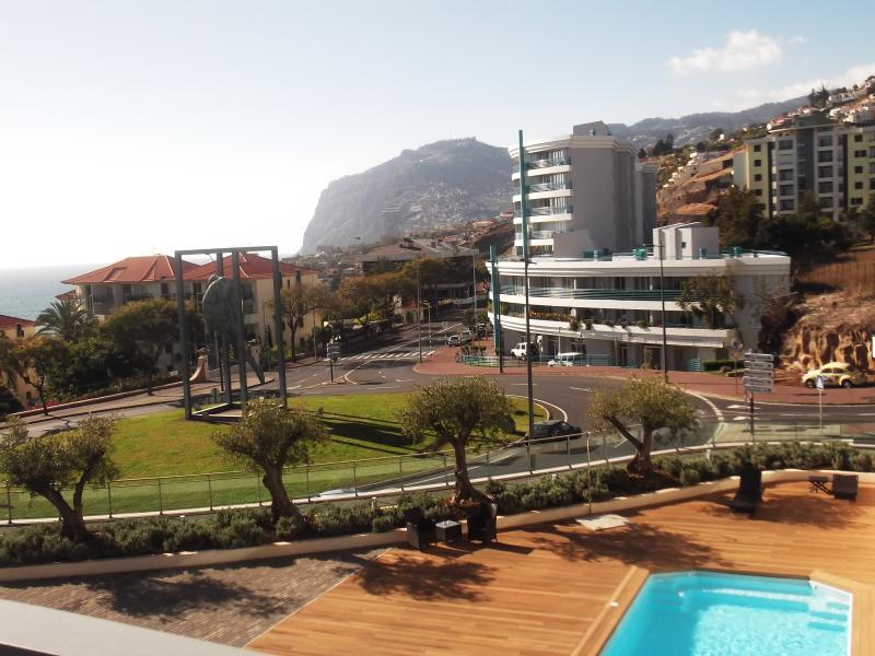 Main view - Modern apartment in private condominium, solarium, pool and  private parking - Funchal - rentals