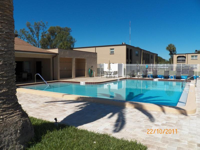 SIDE VIEW OF POOL - LARGO/SEMINOLE, FLORIDA 55 plus one bedroom condo - Seminole - rentals