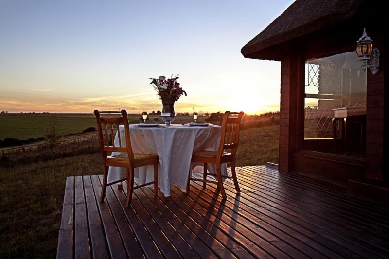 Enjoy sundowners on the veranda - Lavandula Country Cottage - Great Brak River - rentals