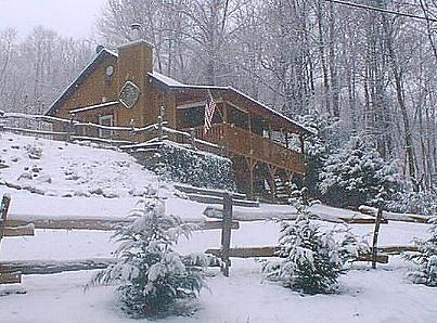 WINTER VIEW - Johnson Branch, Creek, Wifi, Hot Tub Privacy Clean - Maggie Valley - rentals