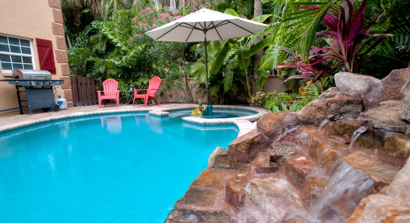 Tropical pool with waterfal, private backyard - Luxury 3BR/3BA, Private Heated Pool, Beach - Holmes Beach - rentals