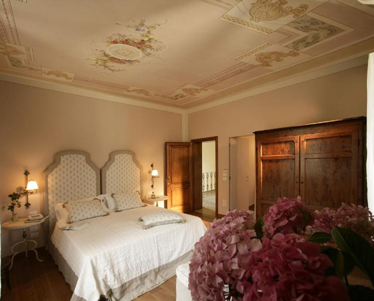 Villa Sestilia's bed room - 4 Bedroom Country Guest House in Tuscany - Montaione - rentals