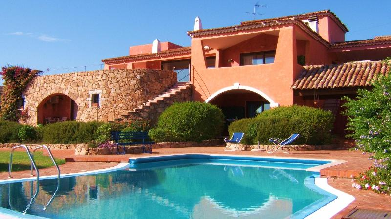 vista fronte villa - B&B villa del poggio - Porto San Paolo - Sardegna - www,(website: hidden) - Loiri Porto San Paolo - rentals