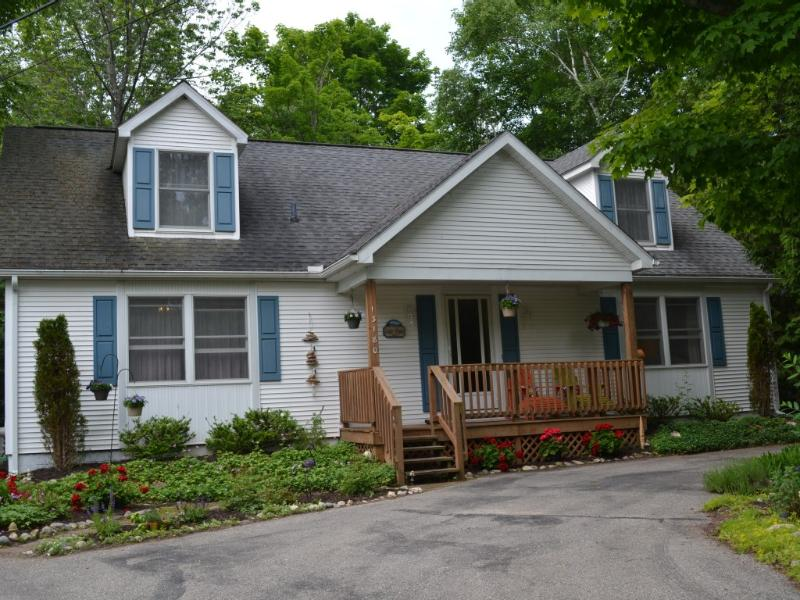 Desirable Northside Home Steps from Lake Michigan! - Image 1 - Charlevoix - rentals