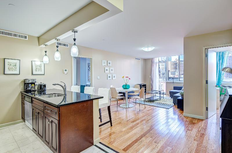 View from the Front Door - 2 Bed/2 BA Manhattan Apt 3 blocks to Central Park - New York City - rentals