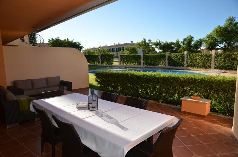 Outdoor area with Dinning table - Paradisus Laguna 2 Bedroom Aprt. Vilamoura Algarve - Vilamoura - rentals