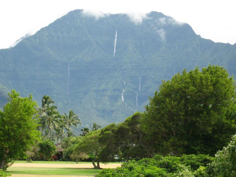 View of Mt Namolokama from lanai - Awesome Waterfall View, Walk To Beach! - Princeville - rentals