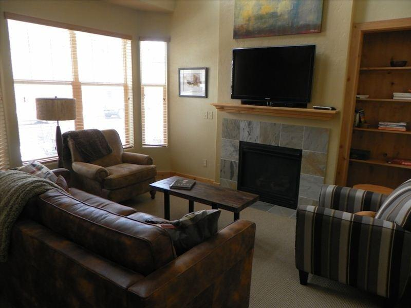 The living room - Beautiful Park City Condo:  Fox Point at Redstone - Park City - rentals