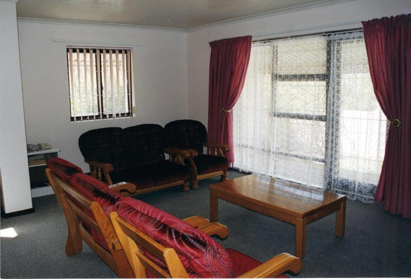 Lounge area - Lakeside Cottage Self Catering Holiday House - Western Cape - rentals