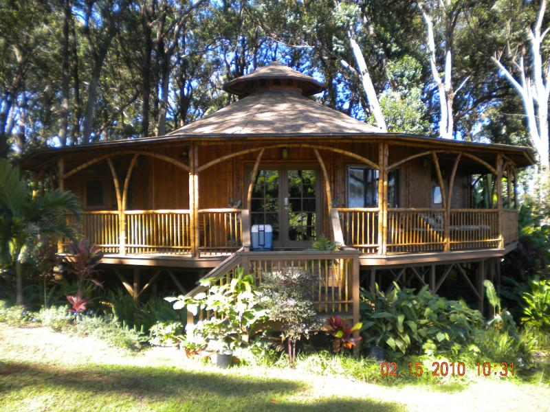 Your bamboo dream temple awaits - You've Been Dreaming Of this Maui Oasis - Haiku - rentals