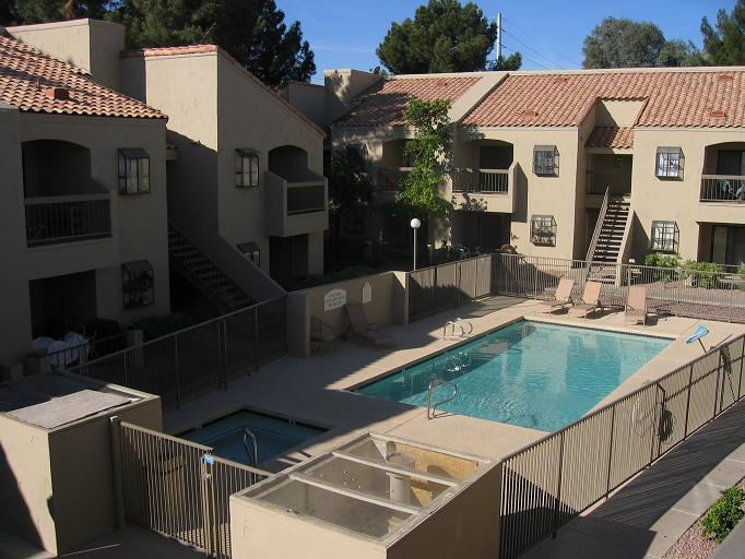 Small complex with pool and hot tub - All About Luxury, Convenience and Location! - Mesa - rentals