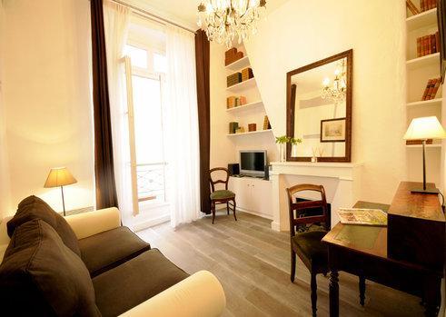 Living area - Pleasant Apartment in St. Germain Des Pres, Paris - Paris - rentals