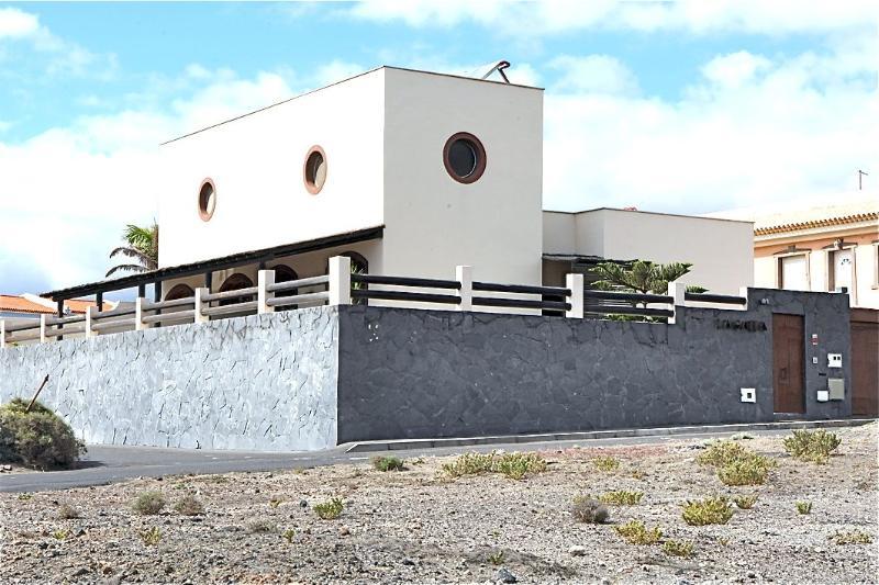 Villa Galea - Image 1 - El Medano - rentals