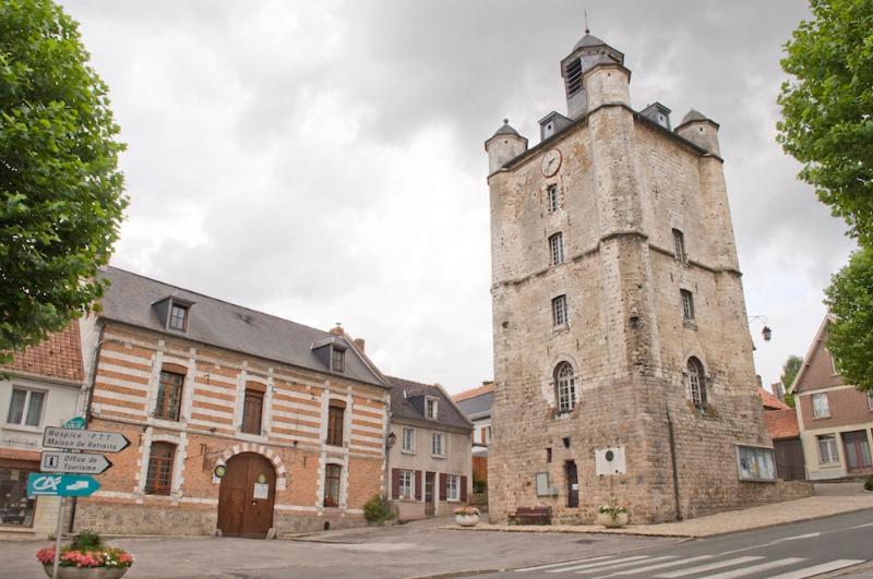 From the street - 'Myosotis' Gîte at the Relais du Beffroi - Saint Riquier - rentals