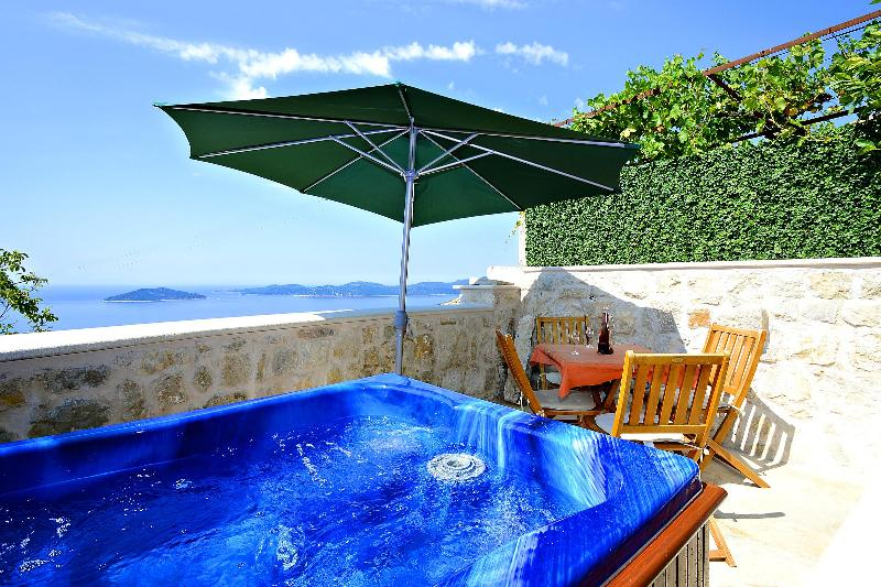 Dalmatian vacation house in Brsecine - Image 1 - Dubrovnik - rentals