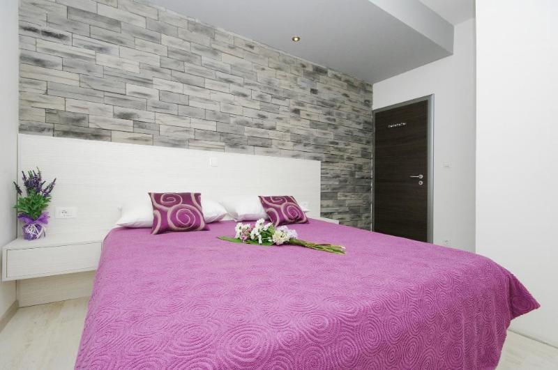 Apartment White - Image 1 - Podstrana - rentals