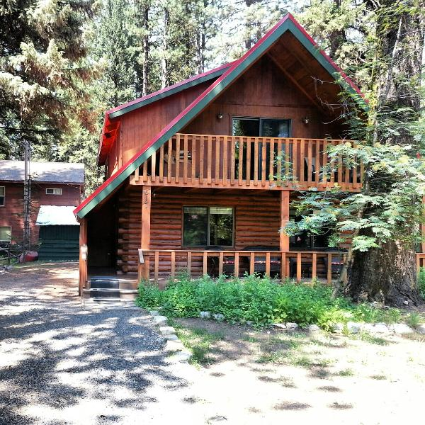 Plenty of room for toys in the driveway. - Spacious Lake Shore Ponderosa Cabin Great Location - McCall - rentals