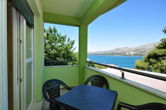 Apartments Pava - 43421-A6 - Image 1 - Okrug Donji - rentals