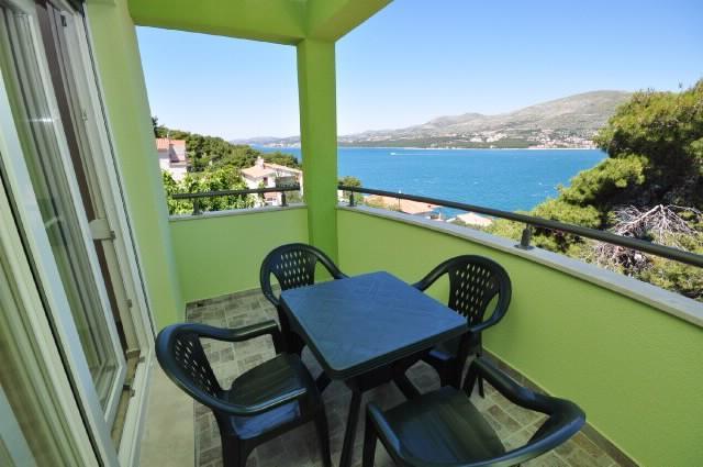 Apartments Pava - 43421-A8 - Image 1 - Okrug Donji - rentals