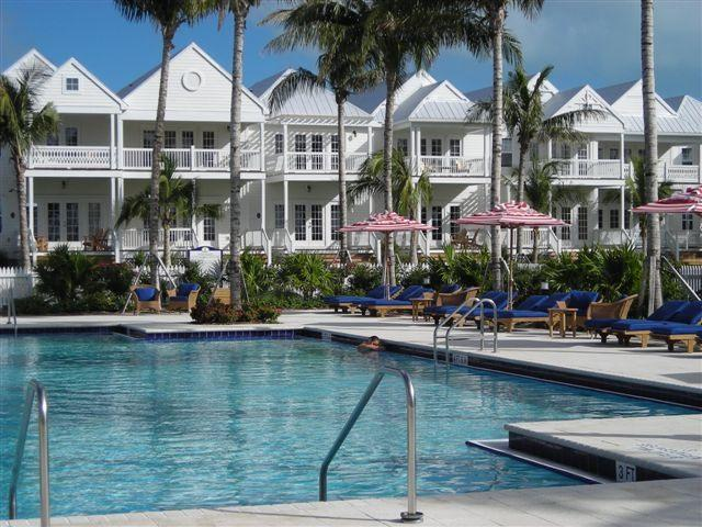 resort style salt water pool - Indigo Reef, 32' dock, Marathon FL - Marathon - rentals