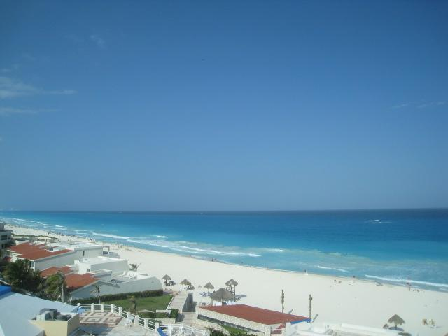 View from the main room - Contemporary Mexican Penthouse Spectacular views - Cancun - rentals