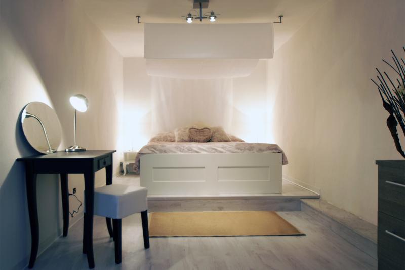 The main bedroom - Charme & Design in city centre - Cagliari - rentals