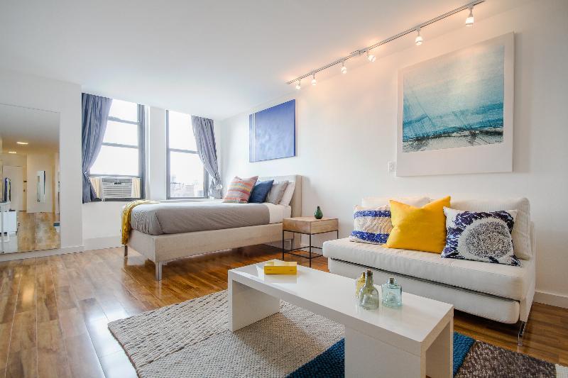 Luxurious Spacious Chelsea Studio ! - Image 1 - New York City - rentals