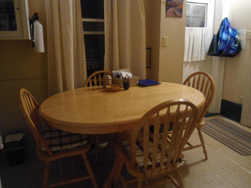 Dining area/Kitchen - Cherry Tree Loft Apartment - Lunenburg - rentals