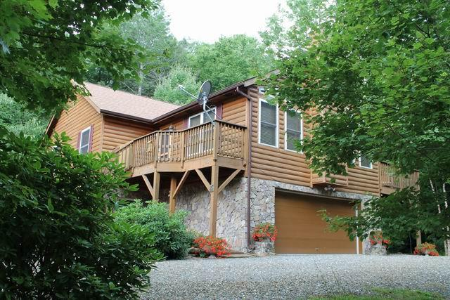 BEAUTIFUL CABIN 4/3 AVAILABLE 4TH JULY! HOT-TUB. - Image 1 - Burnsville - rentals