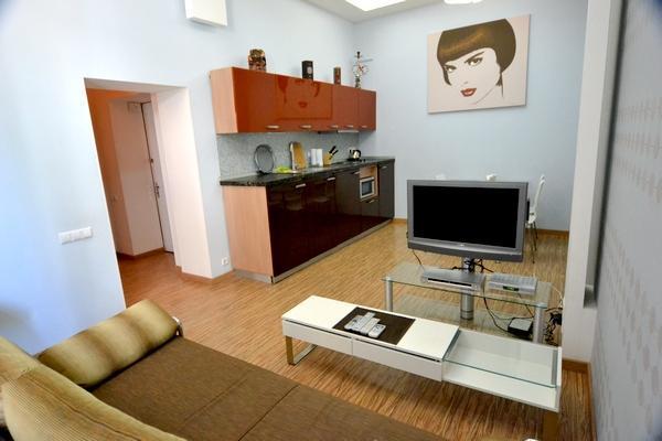 161, 4 Sofievskaya, Luxury 1-bedr., Maydan - Image 1 - Mriya - rentals
