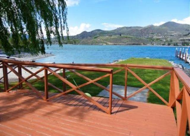 Pirate's Cove Sandy Beach Waterfront Home by Sage Vacation Rentals - Image 1 - Chelan - rentals