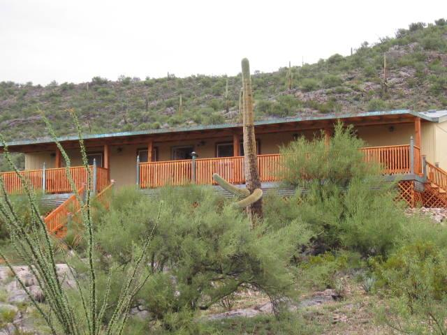 located with mountain at rear / valley below. - Fabulous desert retreat... secluded on 5 acres - Vail - rentals