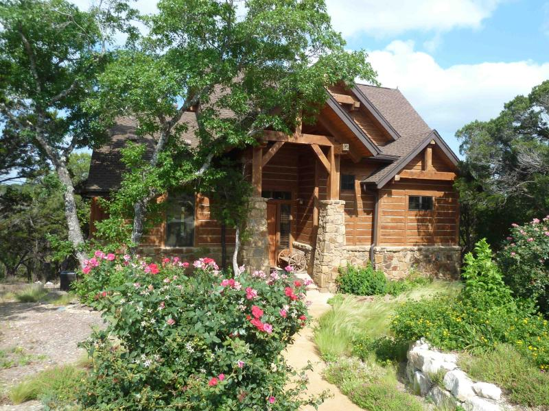 The front of our Cottage - Magnificent View of the Hill Country - Jonestown - rentals